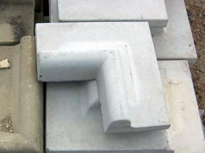 EZ Edge 90 Reverse Corners 2 Livonia Michigan, Patio Blocks Livonia Michigan, Porch Steps Livonia Michigan, Cement Edging Livonia Michigan